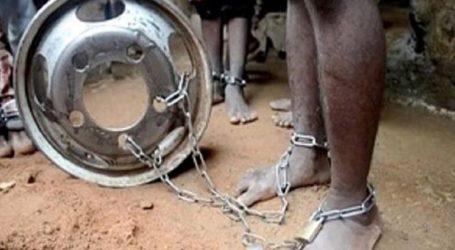 Παιδιά κρατούνταν αλυσοδεμένα σε ισλαμικό σχολείο