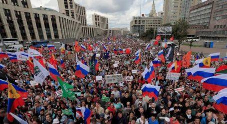 Συγκέντρωση στη Μόσχα με αίτημα την απελευθέρωση φυλακισμένων διαδηλωτών