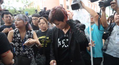 Επίθεση με μπογιά σε τραγουδίστρια κατά τη διάρκεια διαδήλωσης