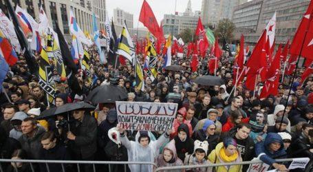 Χιλιάδες διαδηλωτές στη Μόσχα για την απελευθέρωση συλληφθέντων διαδηλωτών
