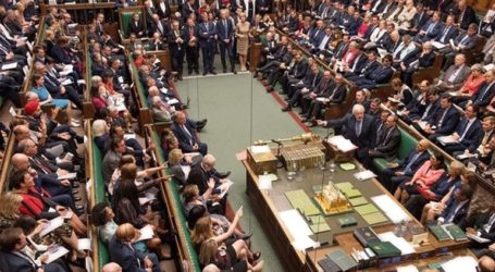 «Όχι» σε πρόταση μομφής κατά της κυβέρνησης λέει η αντιπολίτευση