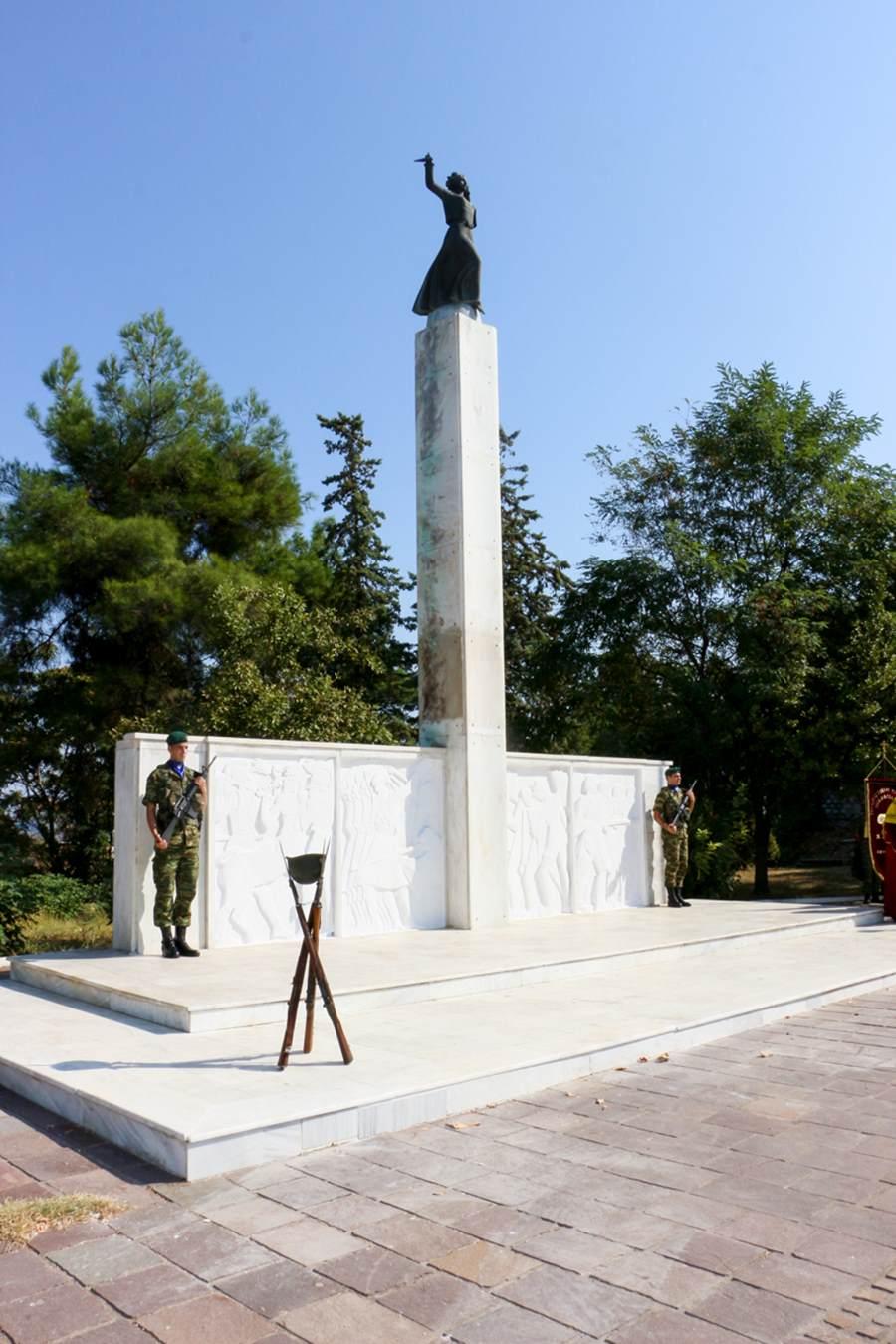 Στις εκδηλώσεις για την ημέρα Εθνικής Μνήμης της γενοκτονίας των Ελλήνων της Μικράς Ασίας ο διοικητής της 1ης Στρατιάς