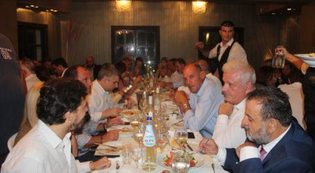 """Σε ευχάριστο κλίμα το δείπνο στη Λάρισα για τα """"γενέθλια"""" του ΠΑΣΟΚ – Δείτε πλούσιο φωτορεπορτάζ"""