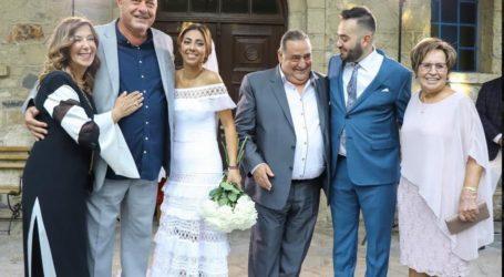 Στον γάμο της κόρης του Βασίλη Καρρά ο Αχιλλέας Μπέος [εικόνες]