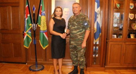 Με τον διοικητή της 1ης Στρατιάς συναντήθηκε η Στέλλα Μπίζιου