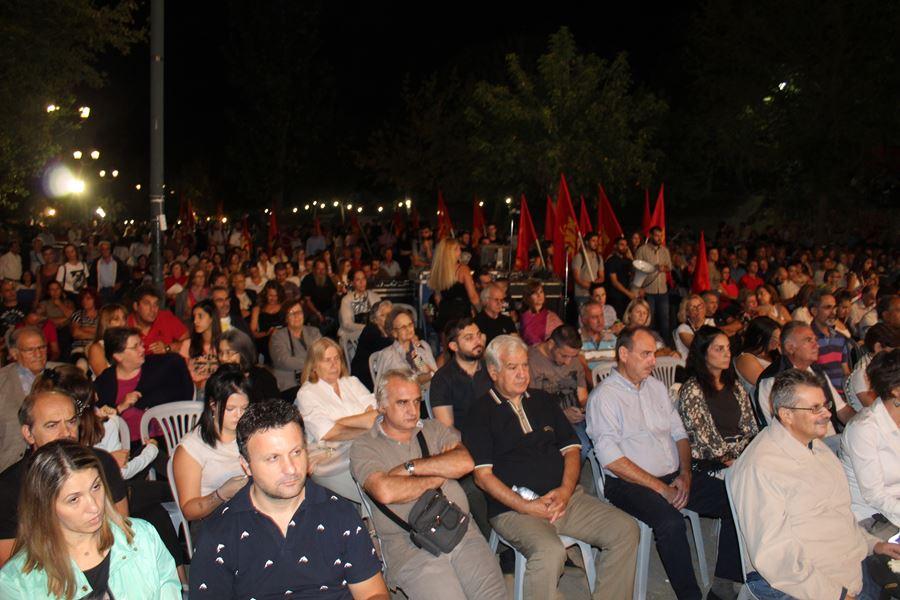 Πλήθος κόσμου στη συναυλία των Πυξ Λαξ στη Λάρισα (φωτο - βίντεο)
