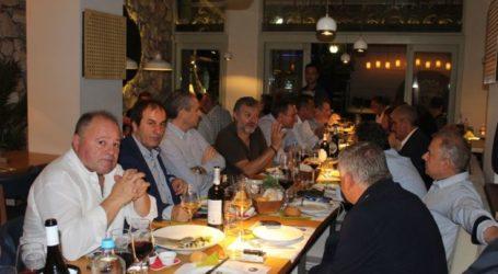 Δείπνο προς τιμή δημάρχων και περιφέρειας παρέθεσε το Επιμελητήριο – Δείτε φωτογραφίες