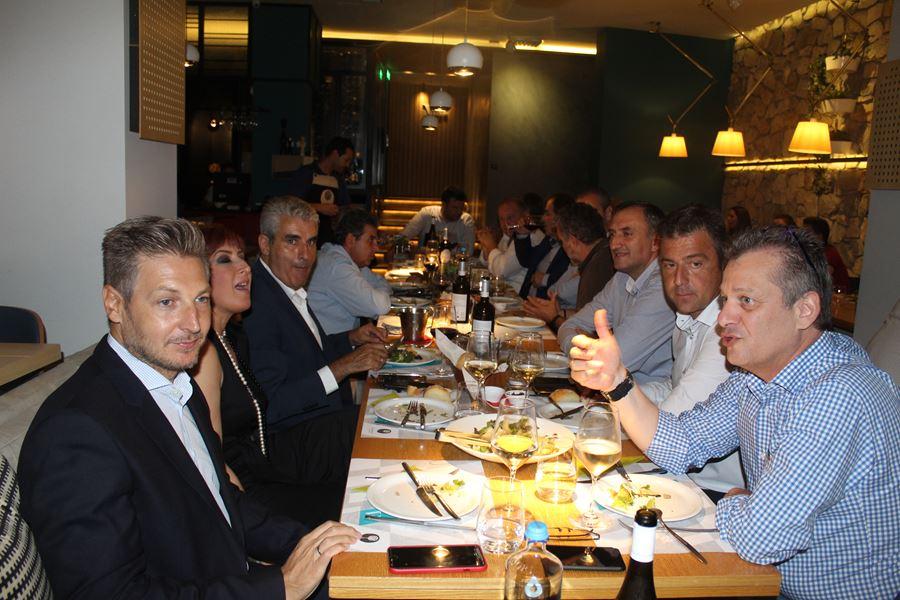 Δείπνο προς τιμή δημάρχων και περιφέρειας παρέθεσε το Επιμελητήριο - Δείτε φωτογραφίες