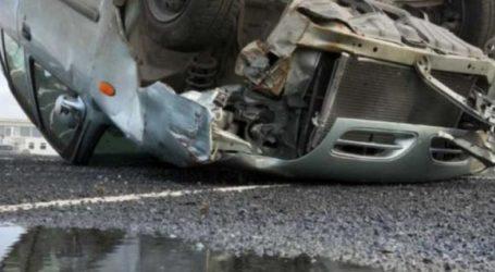 Αυτοκίνητο έξω από τη Λάρισα έφερε τούμπες στα χωράφια αλλά ο οδηγός βγήκε σώος!