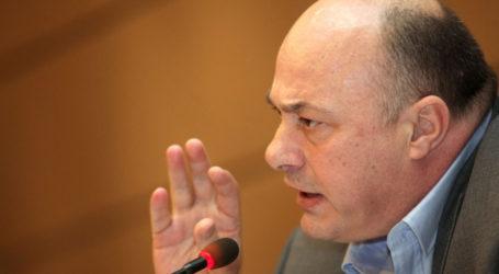 Μπέος σε Καπούλα: Πρέπει να δώσετε εξηγήσεις και να παραιτηθείτε!