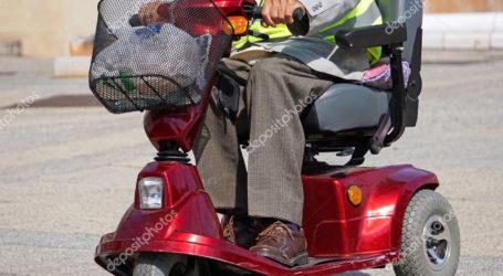 Βόλος: Έμεινε με το αναπηρικό αμαξίδιο στη μέση της οδού Ιάσονος