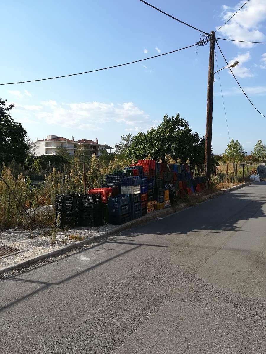 Οικόπεδο – Υγειονομική «βόμβα» έξω από τη Λάρισα (φωτο)