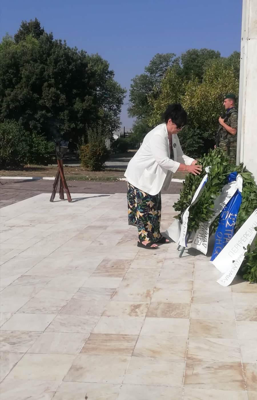 Κατάθεση στεφάνου για την Ημέρα Εθνικής Μνήμης Γενοκτονίας των Ελλήνων της Μικράς Ασίας από την Άννα Βαγενά