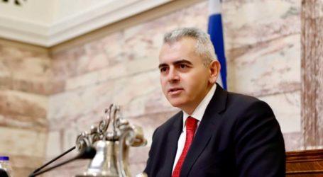 «Καραντίνα» σε εισαγόμενες ζωοτροφές λόγω μετάδοσης πανώλης ζητά ο Χαρακόπουλος από τον Βορίδη