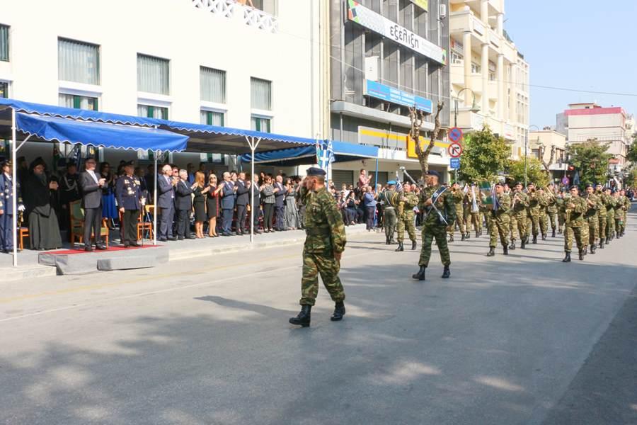 Στις εκδηλώσεις για τον εορτασμό της 28ης Οκτωβρίου στη Λάρισα συμμετείχε ο διοικητής της 1ης Στρατιάς