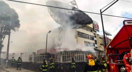 Διαδηλωτές επιτέθηκαν σε εγκαταστάσεις τηλεοπτικού δικτύου και εφημερίδας