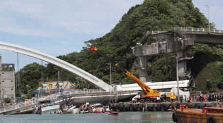 Ταϊβάν: Γέφυρα κατέρρευσε πάνω σε αλιευτικά
