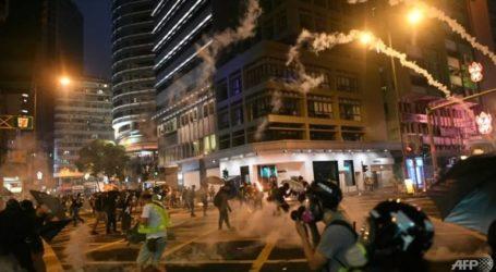 Νύχτα βίαιων διαδηλώσεων στο Χονγκ Κονγκ