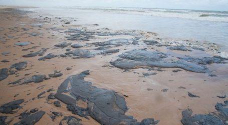 Έρευνες για τις πετρελαιοκηλίδες σε εκατοντάδες παραλίες της Βραζιλίας