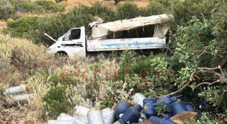 Φορτηγό που μετέφερε φιάλες υγραερίου έπεσε σε χαράδρα