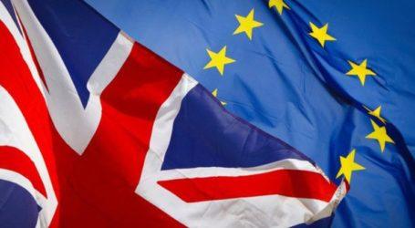 Τουλάχιστον δύο εκατ. Ευρωπαίοι ζήτησαν να παραμείνουν στη Βρετανία μετά το Brexit