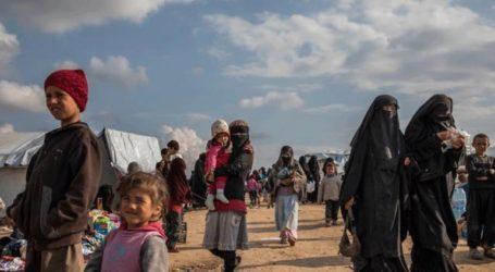 Τουλάχιστον 100 μέλη οικογενειών που συνδέονται με το Ισλαμικό Κράτος δραπέτευσαν από στρατόπεδο