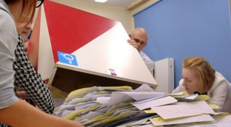 Στο κυβερνών κόμμα έδωσαν ψήφο εμπιστοσύνης οι Πολωνοί