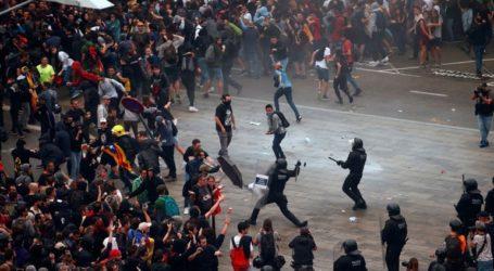78 τραυματίες από τα επεισόδια στην Καταλονία