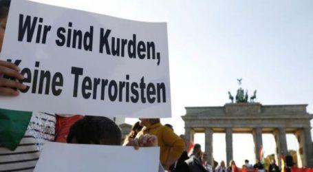 Επεισόδια με πέντε τραυματίες σε διαδήλωση υπέρ των Κούρδων στη Γερμανία