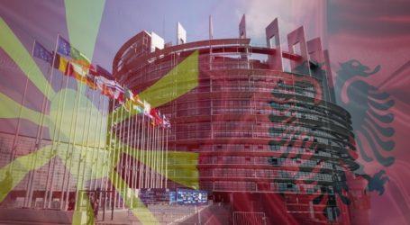 """""""Όχι"""" της Ε.Ε. σε Αλβανία και Βόρεια Μακεδονία"""