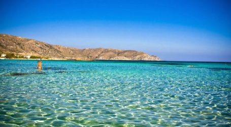 Θυμίζουν καλοκαίρι οι περισσότερες ελληνικές θάλασσες