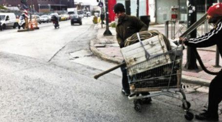 Συνελήφθησαν τέσσερα άτομα που έκλεβαν ανακυκλώσιμα υλικά