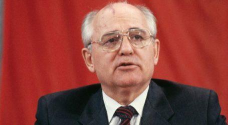Ο Γκορμπατσόφ καλεί Μόσχα και Ουάσινγκτον να ξεκινήσουν συνομιλίες για τα πυρηνικά όπλα