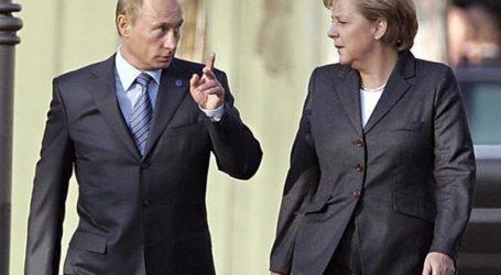 Ο πρόεδρος Πούτιν συζήτησε τις εξελίξεις στη Συρία, την Ουκρανία και τη Λιβύη με την Μέρκελ