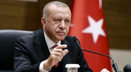Ερντογάν: Μην καπνίζετε, πιείτε… τσάι