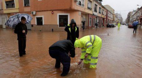 Ένας νεκρός και δύο αγνοούμενοι από τις σφοδρές βροχοπτώσεις στην Καταλονία