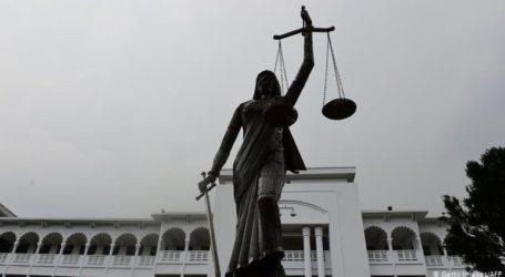 Καταδικάστηκαν σε θάνατο 16 κατηγορούμενοι που έκαψαν ζωντανή μια 19χρονη