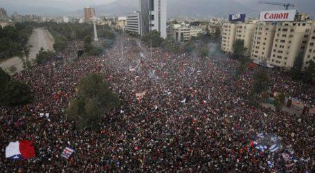 Περισσότεροι από ένα εκατομμύριο διαδηλωτές στους δρόμους στο Σαντιάγο