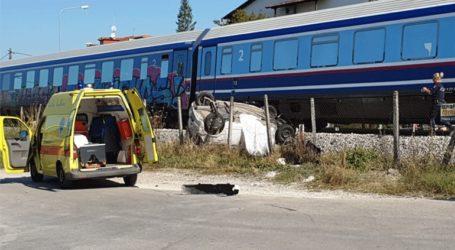 Σύγκρουση τρένου με Ι.Χ. στα Τρίκαλα