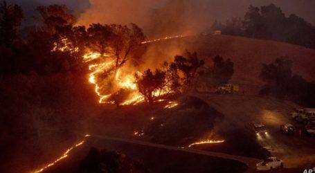 Σε κατάσταση έκτακτης ανάγκης η Καλιφόρνια λόγω των πυρκαγιών