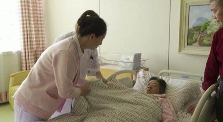 Σε ηλικία 67 ετών μία Κινέζα έγινε η «γηραιότερη νέα μαμά» στη χώρα
