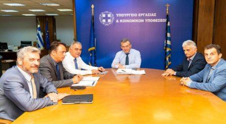 Δέσμευση του Υπουργού Εργασίας για μείωση των εργοδοτικών εισφορών
