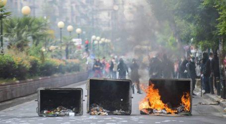 Φωτιές σε κάδους και επεισόδια έξω από την ΑΣΟΕΕ