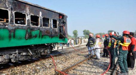 Στους 71 οι νεκροί από το σιδηροδρομικό δυστύχημα στο Πακιστάν