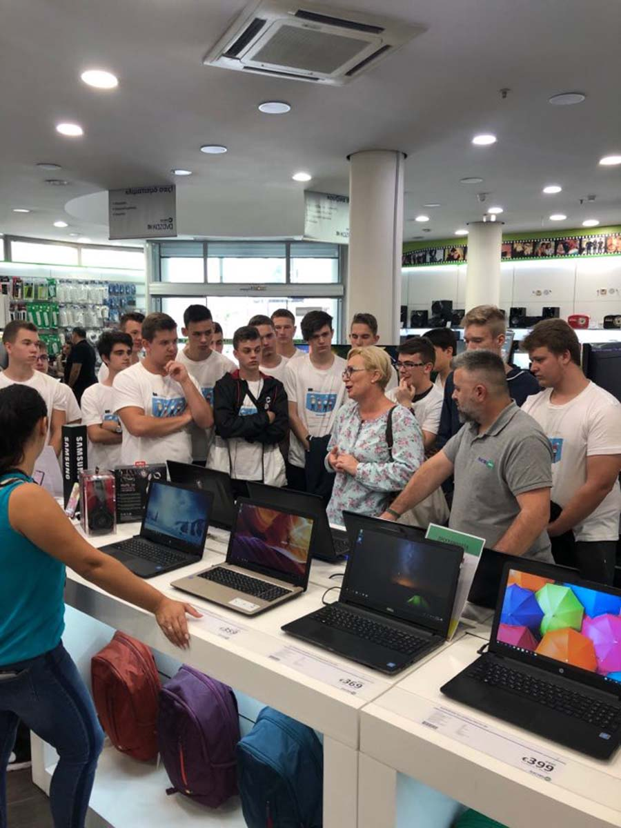 Επίσκεψη Πολωνών μαθητών - Η Electronet Β.Κ. Καζάνα γίνεται κέντρο βιωματικής μάθησης!
