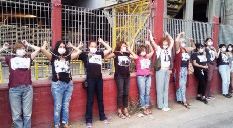 Βόλος: Ακτιβιστικό δρώμενο γυναικών έξω από την ΑΓΕΤ [εικόνα]