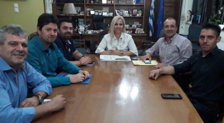 Ξεκινούν έλεγχοι σε παράνομα συνεργεία αυτοκινήτων – Σύσκεψη στην Περιφέρεια
