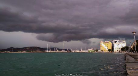 Στον Βόλο το εντυπωσιακό φαινόμενο shelf cloud [εικόνα]
