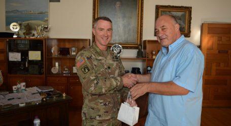 Με εκρποσώπους του Στρατού των ΗΠΑ συναντήθηκε ο Αχιλλέας Μπέος [εικόνες]