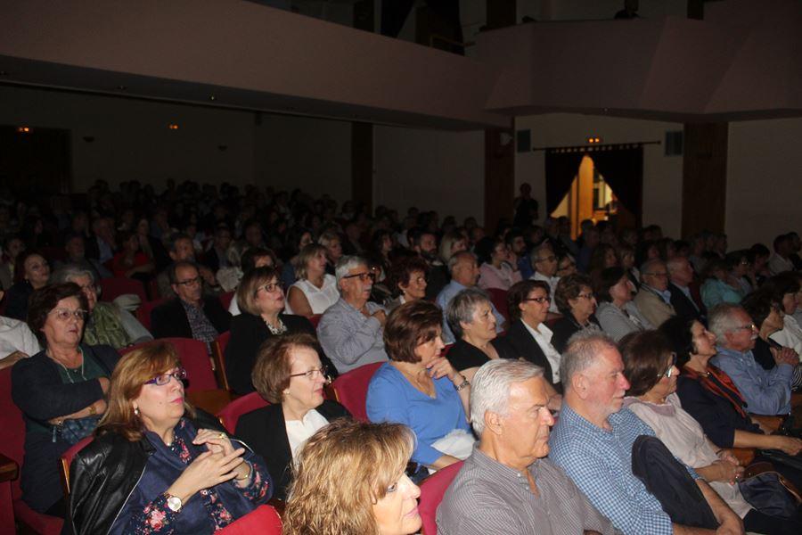 Κατάμεστο το Δημοτικό Ωδείο Λάρισας για το αφιέρωμα «Από το Ρεμπέτικο στο Λαϊκό» (φωτο - βίντεο)